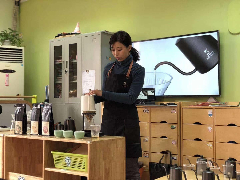 小小咖啡师-上海小苹果幼儿园